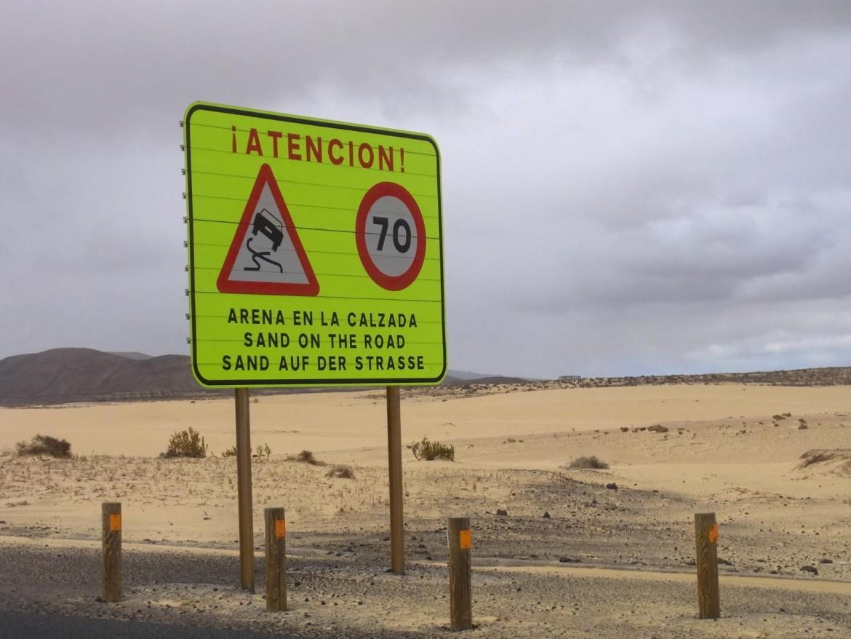 Typisch Fuerteventura: Sand. Strand. Wind. Sonne.
