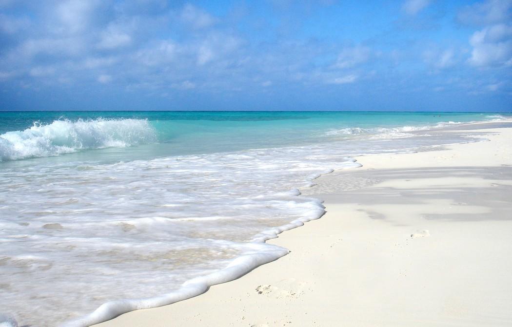 Typisch Kuba: Türkisfarbenes Meer