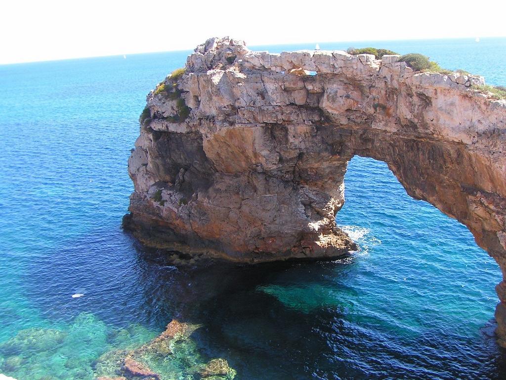 Typisch Mallorca: Pittoreske Felsenbrücke
