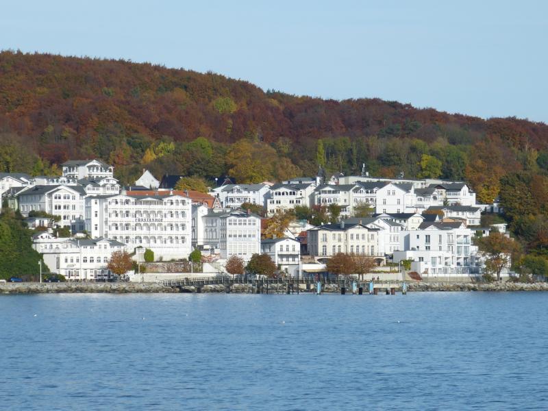 Typisch Rügen: Blick auf Sassnitzer Villen mit Blick aufs Meer