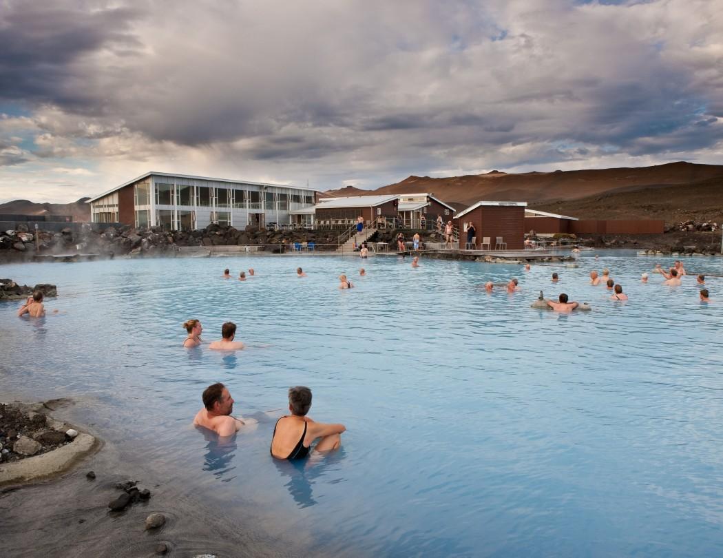 Typisch Island: Natürlich warme Pools wie Jardbodin am Myvatin-See