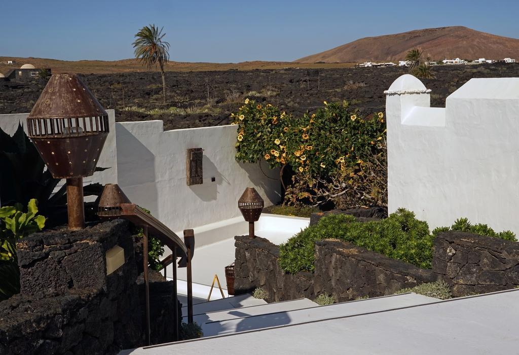 Typisch Lanzarote: Gesamtkunstwerk aus Natur und César Manriques Architektur