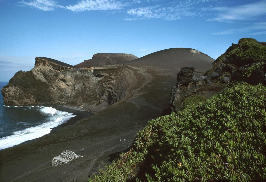 Typisch Azoren: Vulkan Capelinhos auf Faial