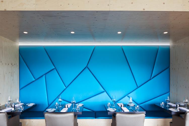 Island designhotels ion 6 insel in sicht for Design hotel pauschalreise